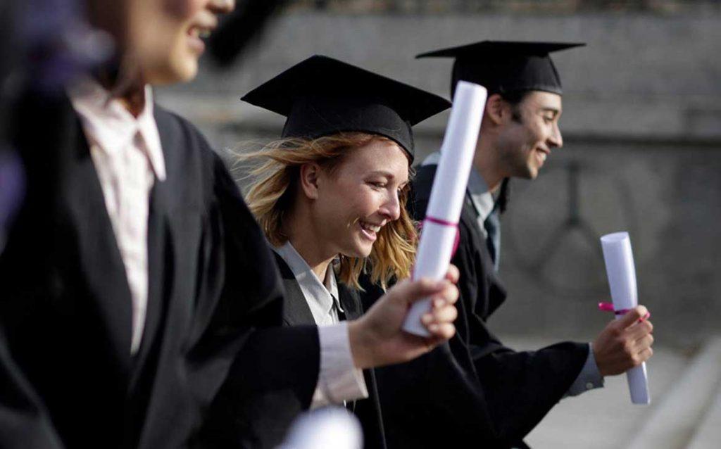 Học thạc sĩ mấy năm và cơ hội việc làm sau khi học xong?