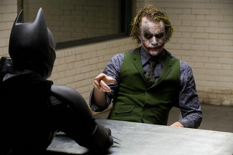 Những điều Joker đối xử tệ với Harley trong phim Joker và Harley quinn